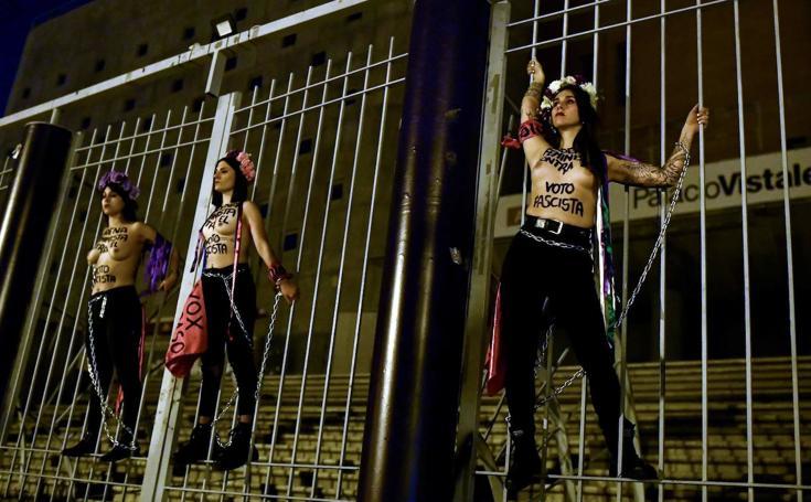 La asturiana Lara Alcázar lidera el boicot de Femen en Madrid a un mitin de Vox