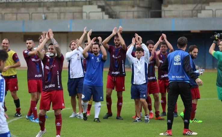 Real Avilés 0-2 Navarro, en imágenes