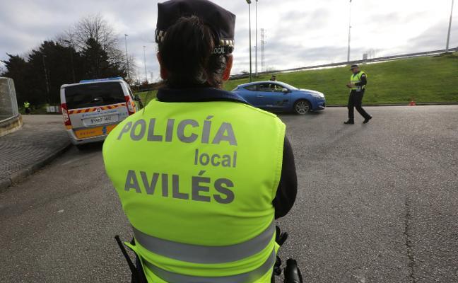 La Policía Local denuncia a 72 personas en una semana por circular sin cinturón