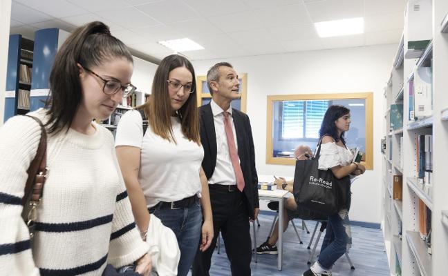 «Los alumnos buscan salidas y por ello suelen elegir Psicología y Derecho»