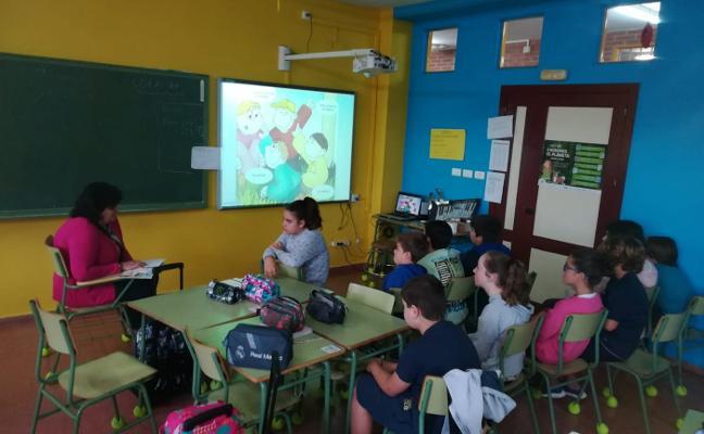 El colegio de Raíces inicia con un cuento sobre el Asperger una Escuela de Familias