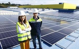 7.500 paneles fotovoltaicos alimentarán de energía el centro logístico de Alimerka en Lugo de Llanera