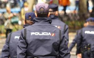 Dos detenidos por robar y manipular cableado del alumbrado público en Contrueces