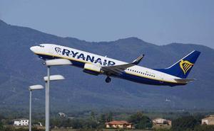 Ryanair, condenada a reembolsar el billete a unos pasajeros de Oviedo que no pudieron volar por enfermedad
