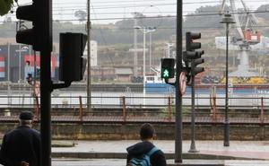 El semáforo de El Muelle indicará los tiempos de espera con un contador