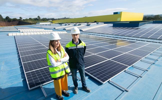 Alimerka reduce la emisión de CO2 en mil toneladas con la mayor planta solar de Asturias
