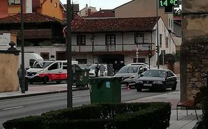 Herida leve en un choque entre dos vehículos en Santa Apolonia