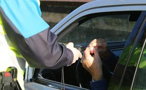 Un detenido por superar los límites de alcohol y cuatro denunciados en un control en Villalegre
