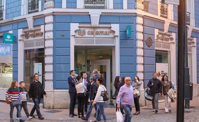 La caja cooperativa Cajamar abre hoy su oficina en Avilés