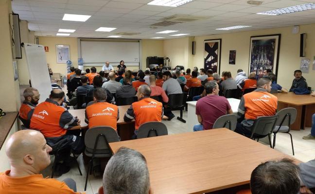 Arcelor regulará a 1.600 empleados de oficinas tras sufrir un recorte del 20% en sus pedidos