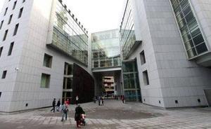 Condenado a 21 meses de cárcel por estafar al Ayuntamiento de Oviedo con facturas falsas