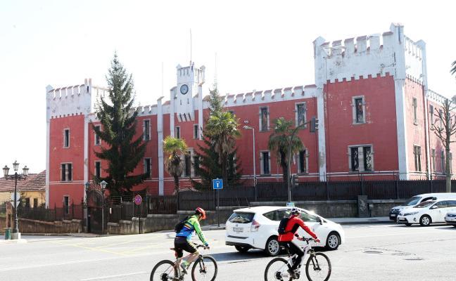 El alcalde aboga por buscar «la gratuidad» de la fábrica de La Vega