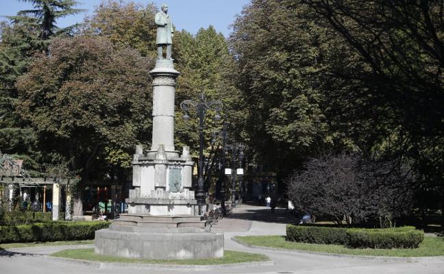Reclaman la mejora del entorno del parque viejo de La Felguera