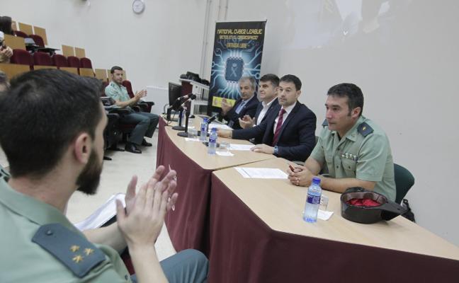 Los ciberdelitos alcanzan ya el 15% de los casos de la Guardia Civil de Oviedo