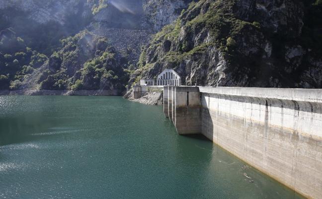 Las reservas de agua en Asturias registran el nivel más bajo de los últimos veinte años