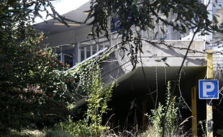 El ruinoso estado del antiguo HUCA en Oviedo