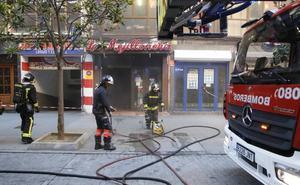 Un herido en un incendio en La Mejillonera de Gijón