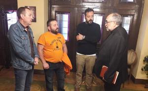 El arzobispo de Oviedo considera que los trabajadores de Vesuvius «son la prioridad»