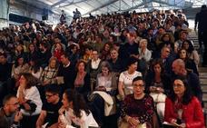 El estreno de 'Why?', de Peter Brook, llena el auditorio de la Fábrica de La Vega