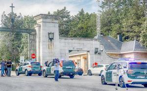La Guardia Civil impide el acceso al Valle de los Caídos a un grupo de personas