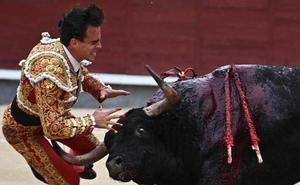 El torero Gonzalo Caballero sufrió una cornada de dos trayectorias, de 30 y 25 centímetros