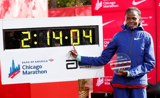 Kosgei pulveriza el récord de maratón