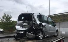Dos heridos por un accidente en el corredor del Nalón en Sama
