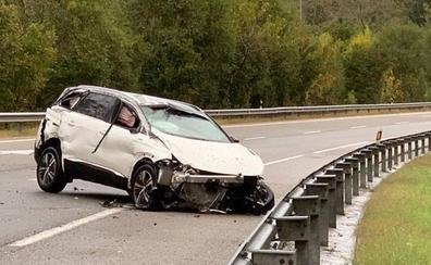 Dos heridos en un accidente en la autovía a su paso por Llanes