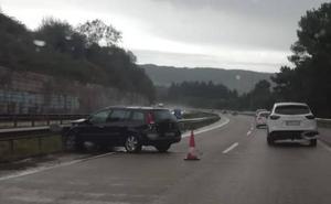 Un accidente en la A-66 provoca retenciones en el viaducto de Serín