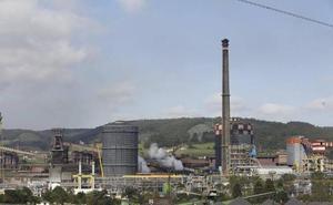 Los empresarios instan a Sánchez a acabar con la «desventaja» competitiva de Arcelor