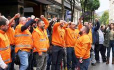 Protesta de los trabajadores de Vesuvius en Oviedo