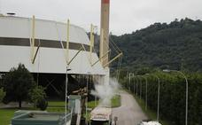 El conceyu contra la quema de basuras en La Pereda reclama amparo al Tribunal Supremo