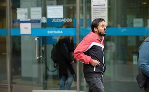 Una multa de mil euros para el hombre que se masturbó delante de una menor