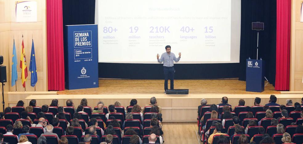 Premio Princesa de Asturias de Cooperación Internacional | Salman Khan imparte una charla a padres con ganas de saber