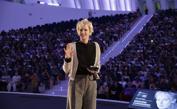 Encuentro de la escritora Siri Hustvedt, Premio Princesa de las Letras, con los clubes de lectura