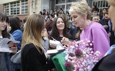 Premio Princesa de Asturias de las Letras | Siri Hustvedt, a los alumnos asturianos: «Leer tiene efectos terapéuticos»