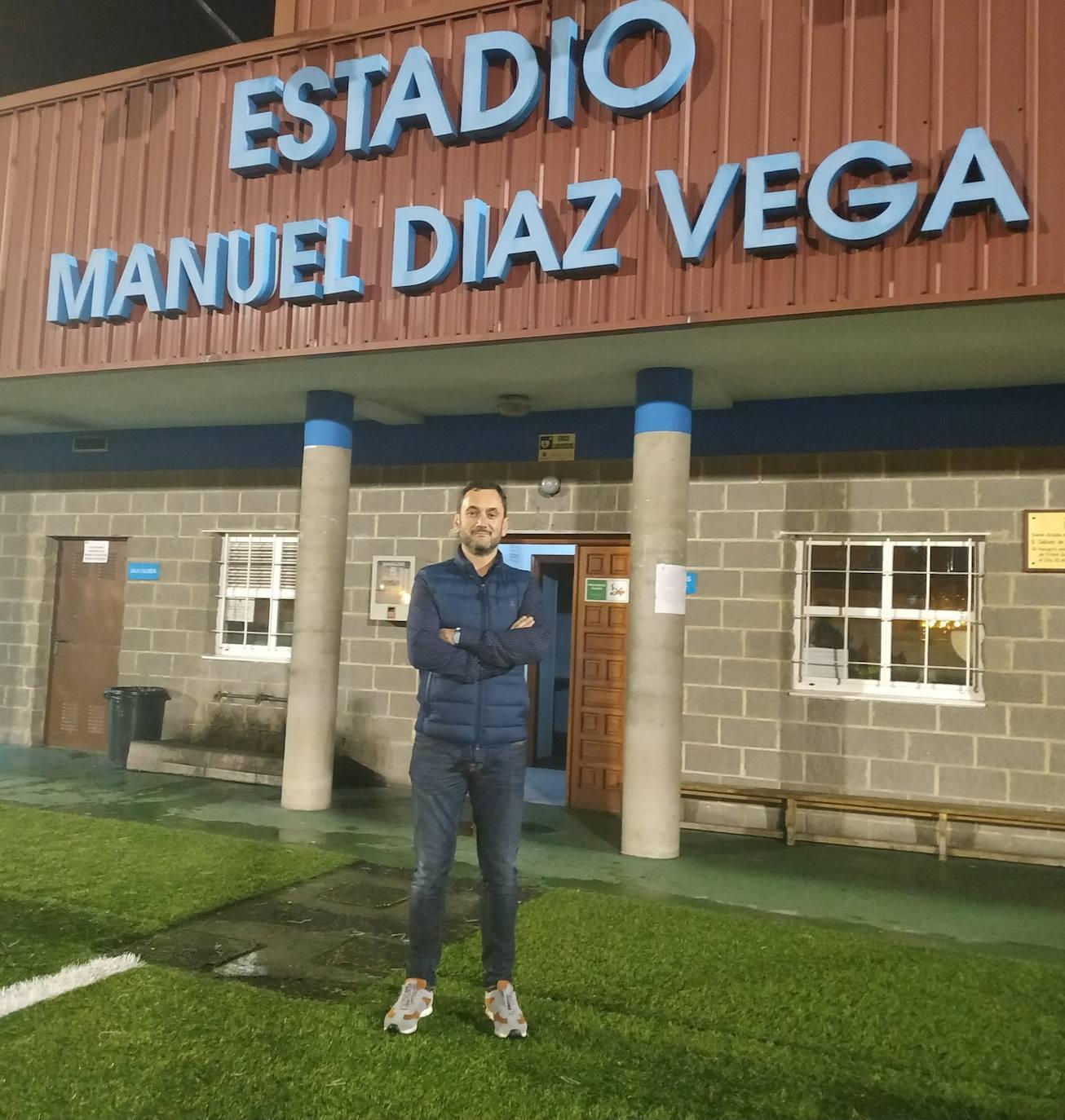 José Moro gana las elecciones en el Real Oviedo femenino