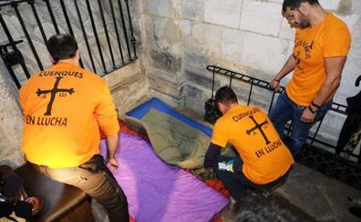 Los trabajadores de Vesuvius encerrados en la Catedral «agradecerían» la visita de la Familia Real