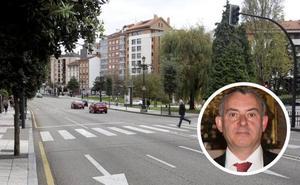 «Dejaron a mi hijo tirado en el suelo y pudo haber muerto, es algo horrible», dice el padre del joven arrollado en Oviedo