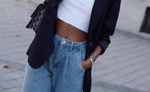 Guarda tus clásicos vaqueros, las instagramers ya llevan los jeans milagro más famosos del otoño