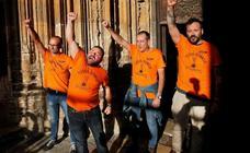 El arzobispo invita a la Familia Real a tener «un gesto» con los trabajadores de Vesuvius encerrados en la Catedral de Oviedo