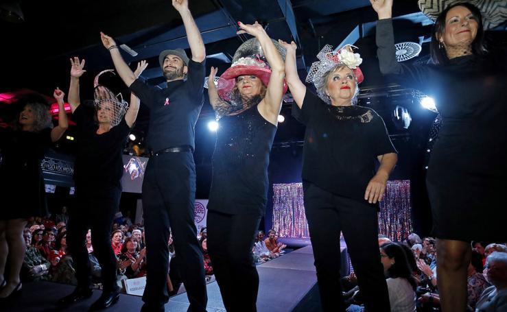 Moda contra el cáncer de mama en la Sala Albéniz de Gijón