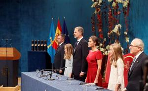 El Rey evita toda alusión a Cataluña en su discurso de los Premios Princesa de Asturias
