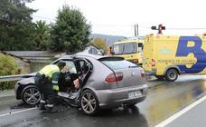 Herido grave un joven en un accidente de tráfico en Valdés