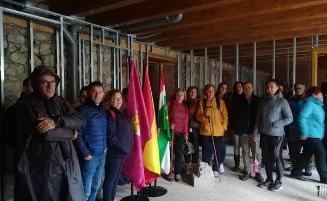 Vecinos y hosteleros de Asturias y León se unen para pedir que el Camino allerano sea oficial