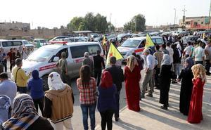 Los kurdos sirios comienzan la retirada de la frontera con Turquía