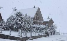 Primeras nieves e intensa lluvia en Asturias