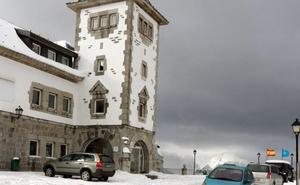 Paralizadas las obras para abrir el hotel del antiguo parador de Pajares