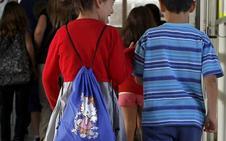 Los adolescentes pasan más horas en Internet que en el colegio