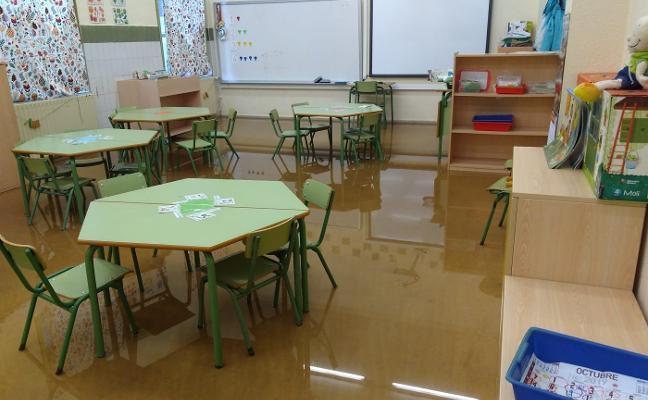 El colegio de Jove, de nuevo inundado